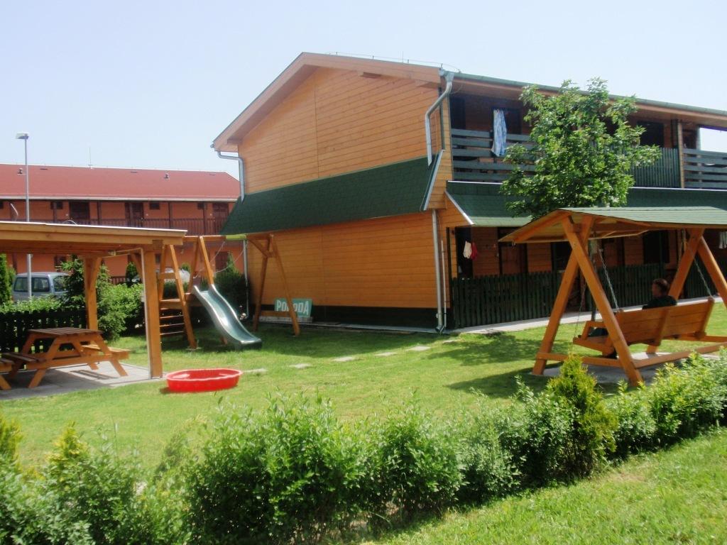 Chata Pohoda - Štúrovo ubytovanie v areáli kúpaliska